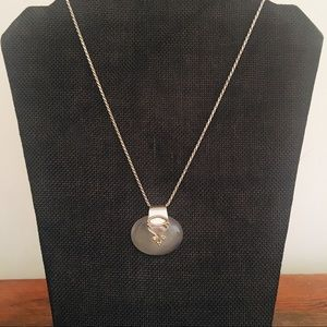 Jewelry - Woman's moonstone cacachon with silver bail